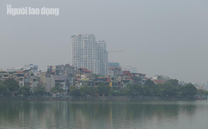 Hình ảnh không khí đặc quánh, mờ mịt ở Hà Nội - Ảnh 6.