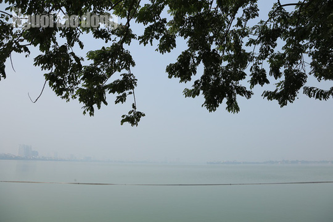 Hình ảnh không khí đặc quánh, mờ mịt ở Hà Nội - Ảnh 7.