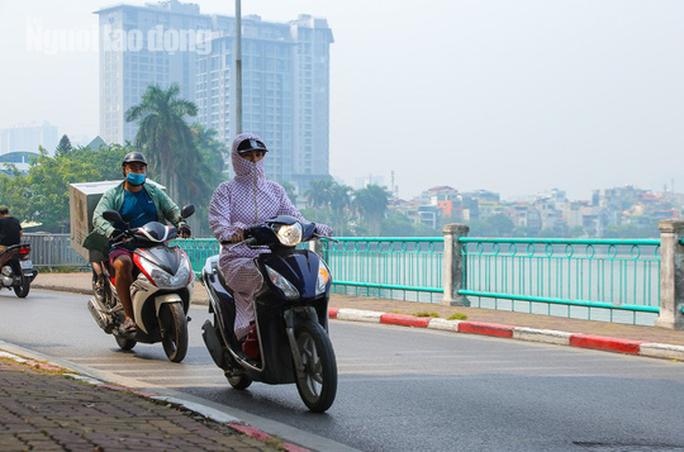 Hình ảnh không khí đặc quánh, mờ mịt ở Hà Nội - Ảnh 8.