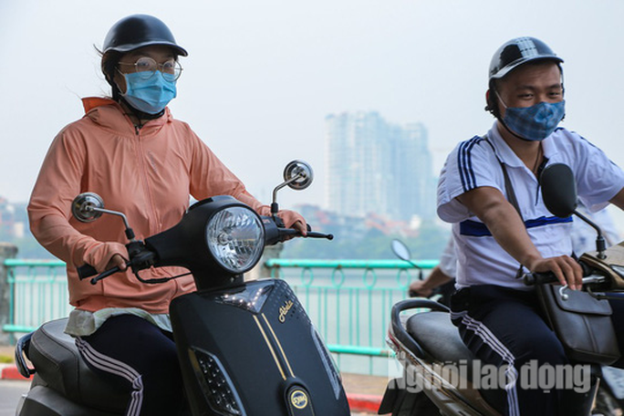 Hình ảnh không khí đặc quánh, mờ mịt ở Hà Nội - Ảnh 9.