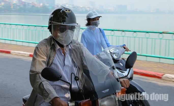 Hình ảnh không khí đặc quánh, mờ mịt ở Hà Nội - Ảnh 10.