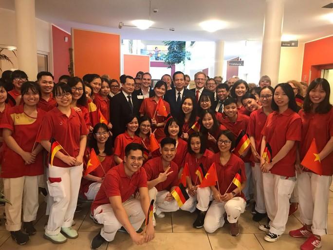 Cơ hội rộng mở đối với điều dưỡng viên Việt Nam sang Đức làm việc - Ảnh 1.