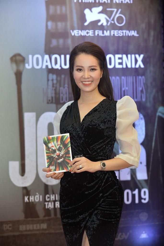 Nghệ sĩ trẻ tề tựu thưởng thức phim đoạt giải Sư tử vàng- JOKER - Ảnh 4.