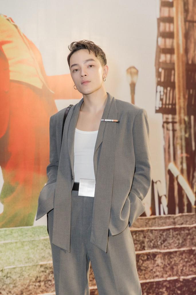 Nghệ sĩ trẻ tề tựu thưởng thức phim đoạt giải Sư tử vàng- JOKER - Ảnh 9.