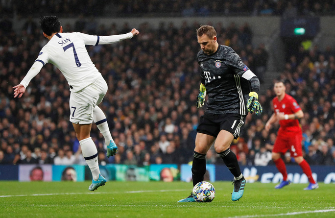 Bayern Munich thắng hủy diệt 7-2, Tottenham sắp mất ngôi á quân - Ảnh 1.