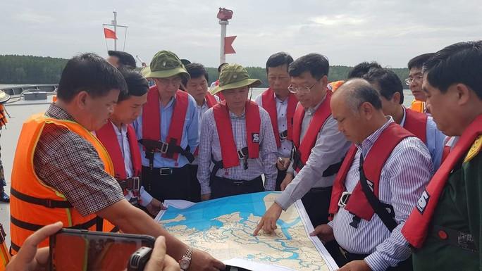 Vụ chìm tàu trên sông Lòng Tàu: Không để dầu tràn gây thảm họa - Ảnh 1.