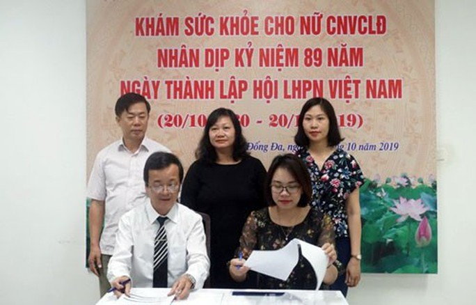 Hà Nội: Gần 2.000 nữ CNVC-LĐ được khám sức khỏe miễn phí - Ảnh 1.