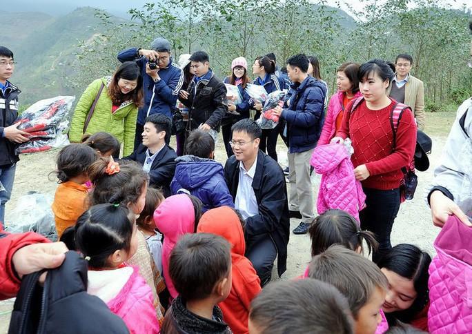 Tổ chức lễ tưởng nhớ, công bố những bức ảnh xúc động của Thứ trưởng Lê Hải An - Ảnh 13.