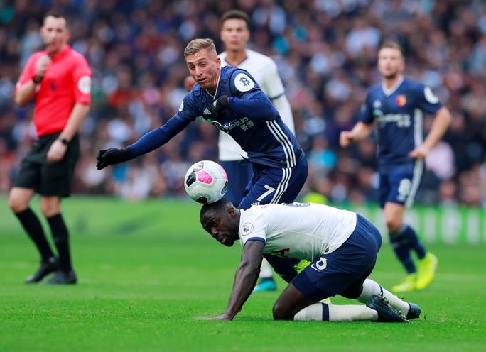 Tottenham được bẻ còi giải cứu, VAR xin lỗi người hâm mộ Anh - Ảnh 3.