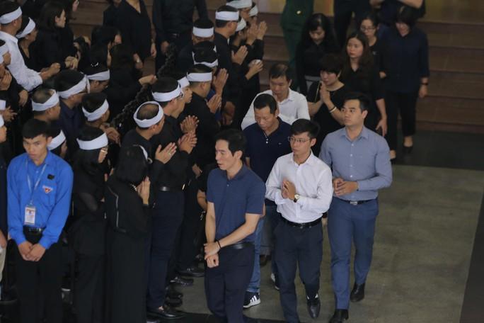 Hàng ngàn người tiễn biệt cố Thứ trưởng Lê Hải An - Ảnh 22.