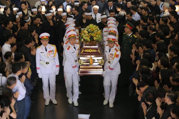 Hàng ngàn người tiễn biệt cố Thứ trưởng Lê Hải An - Ảnh 38.