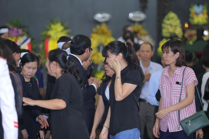 Hàng ngàn người tiễn biệt cố Thứ trưởng Lê Hải An - Ảnh 28.