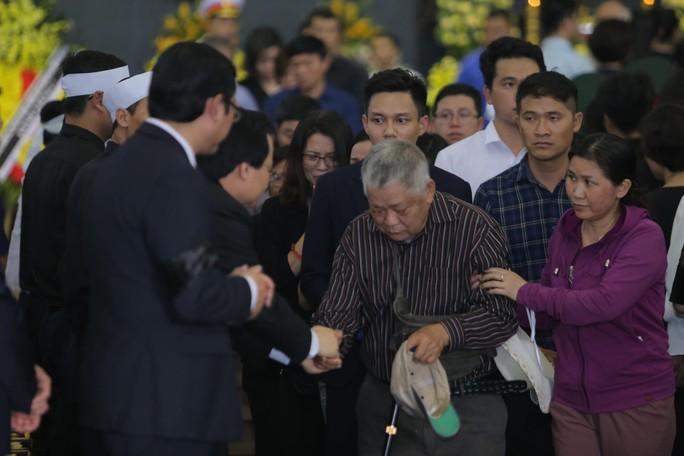 Hàng ngàn người tiễn biệt cố Thứ trưởng Lê Hải An - Ảnh 29.