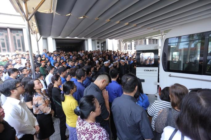 Hàng ngàn người tiễn biệt cố Thứ trưởng Lê Hải An - Ảnh 41.