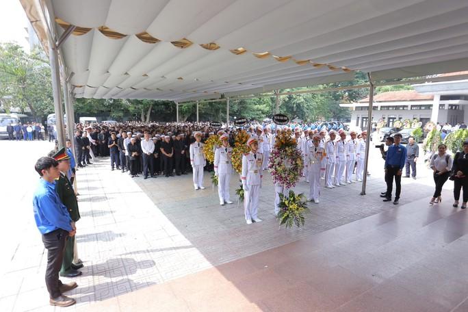 Hàng ngàn người tiễn biệt cố Thứ trưởng Lê Hải An - Ảnh 4.