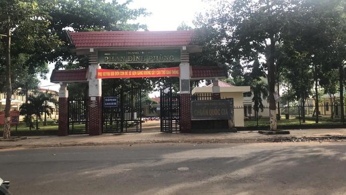 Trường lạm thu, phụ huynh phản ánh ra Bộ GD-ĐT - Ảnh 1.