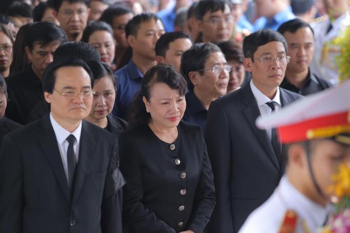 Hàng ngàn người tiễn biệt cố Thứ trưởng Lê Hải An - Ảnh 11.