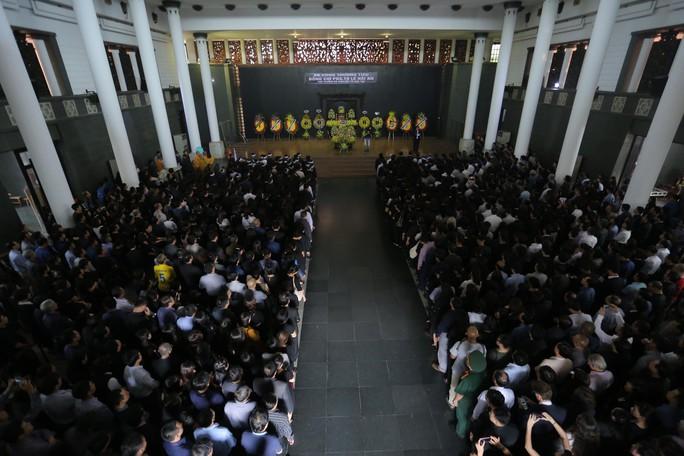 Hàng ngàn người tiễn biệt cố Thứ trưởng Lê Hải An - Ảnh 33.
