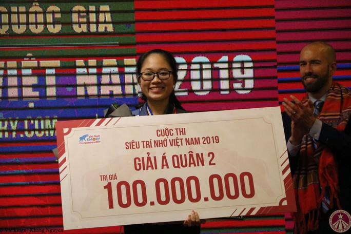 """Hai chị em nghèo ở Lâm Đồng cùng đoạt giải vàng """"Siêu trí nhớ Việt Nam"""" - Ảnh 3."""