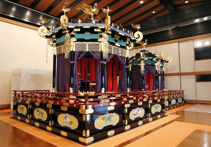 Nhật hoàng Naruhito chính thức lên ngôi - Ảnh 4.
