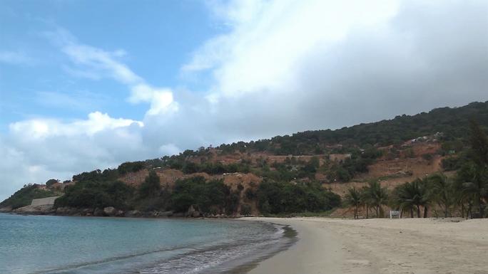 Cận cảnh hàng loạt dự án đang băm nát Bán đảo Sơn Trà - Ảnh 2.