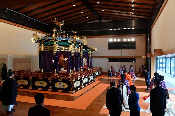 Nhật hoàng Naruhito chính thức lên ngôi - Ảnh 9.