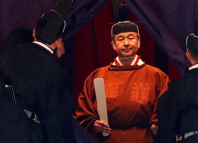 Nhật hoàng Naruhito chính thức lên ngôi - Ảnh 7.