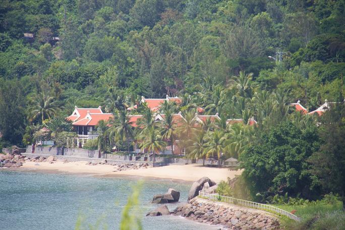Cận cảnh hàng loạt dự án đang băm nát Bán đảo Sơn Trà - Ảnh 6.