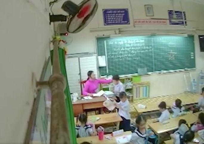 TP HCM: Buộc thôi việc cô giáo đánh, tát nhiều học sinh - Ảnh 1.