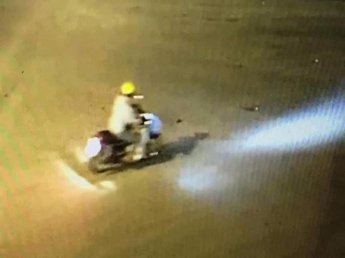 Vụ nhân viên BHXH bị sát hại tại trụ sở: Clip nghi phạm xuất hiện tại Hà Nội - Ảnh 1.