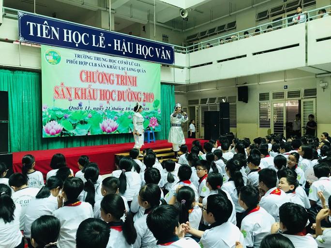 NSƯT Phương Hồng Thủy, nghệ sĩ Võ Minh Lâm gìn giữ tinh hoa Việt - Ảnh 8.