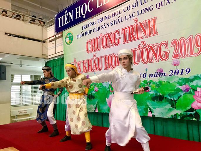 NSƯT Phương Hồng Thủy, nghệ sĩ Võ Minh Lâm gìn giữ tinh hoa Việt - Ảnh 4.