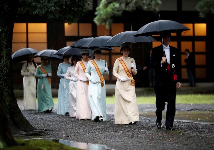 Nhật hoàng Naruhito chính thức lên ngôi - Ảnh 1.