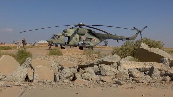 Quân đội Nga đổ bộ căn cứ vừa mở cửa lại ở Syria - Ảnh 1.
