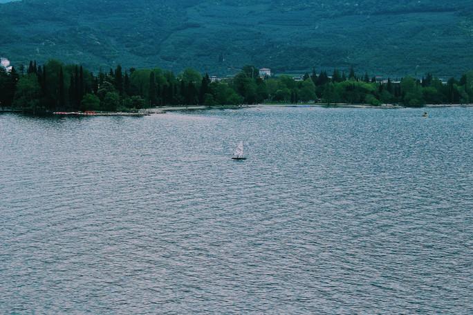 Hồ vùng Bắc Ý và những cái nhất - Ảnh 1.