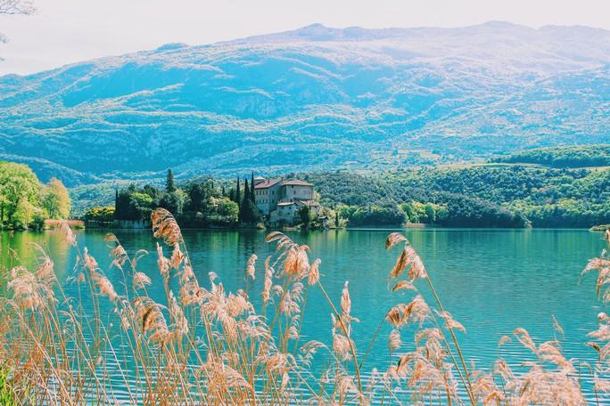 Hồ vùng Bắc Ý và những cái nhất - Ảnh 11.