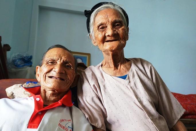 Vợ chồng hai cụ 90 tuổi viết đơn xin rút khỏi hộ nghèo - Ảnh 1.