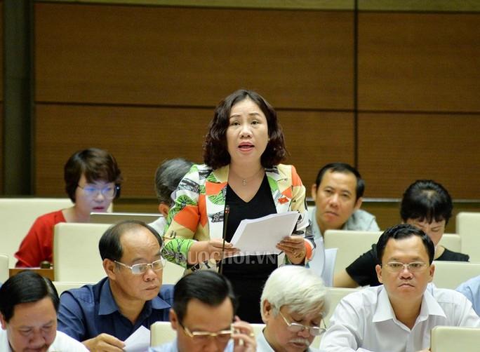 Đại biểu QH Nguyễn Thị Quyết Tâm rơi nước mắt trên nghị trường khi nói về công nhân - Ảnh 4.