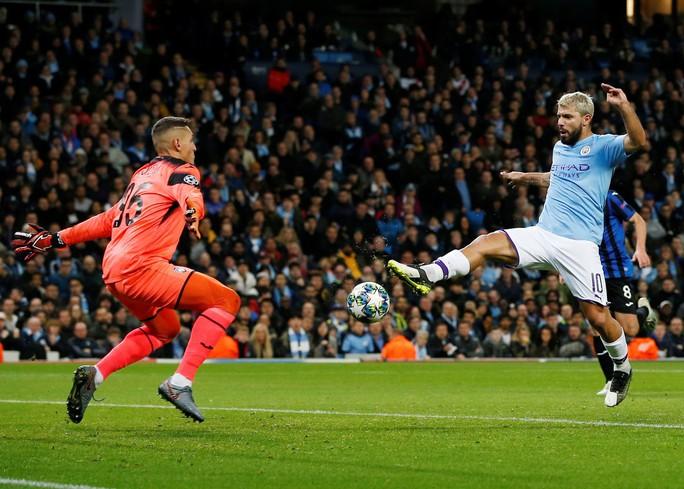 Đại gia Man City ra đòn, Sterling thăng hoa trên đỉnh châu Âu - Ảnh 3.