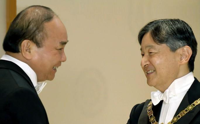 Thủ tướng Nguyễn Xuân Phúc dự tiệc Hoàng gia do Nhà vua Naruhito chủ trì - Ảnh 1.