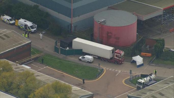 39 người chết trong xe container đến từ Trung Quốc - Ảnh 1.
