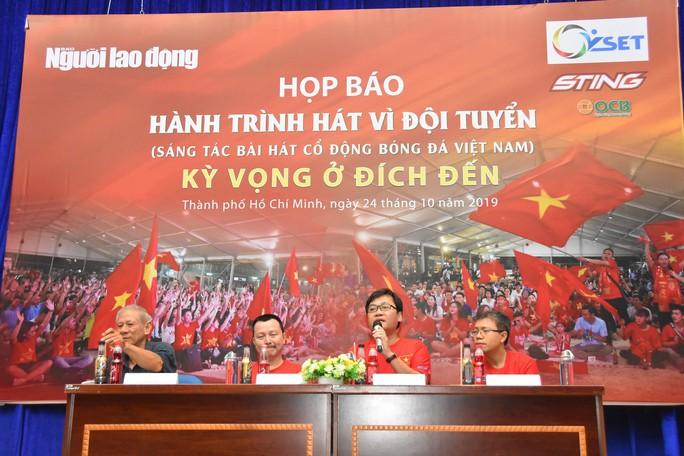 Cuộc thi sáng tác Bài hát cổ động bóng đá Việt Nam:  Chờ chủ nhân giải thưởng 300 triệu đồng - Ảnh 1.