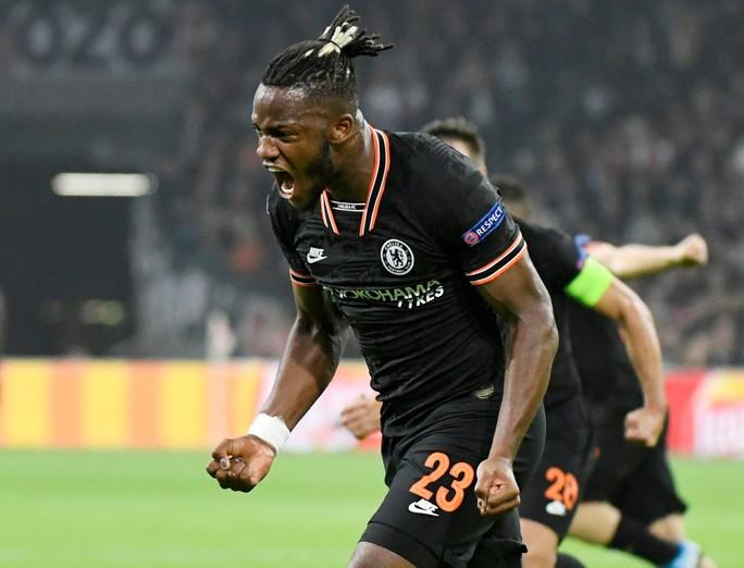 Chelsea, Ajax đá chung kết sớm ở Stamford Bridge - Ảnh 1.