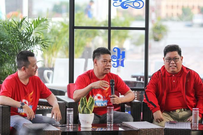Cuộc thi sáng tác Bài hát cổ động bóng đá Việt Nam: Tăng tốc về đích - Ảnh 4.