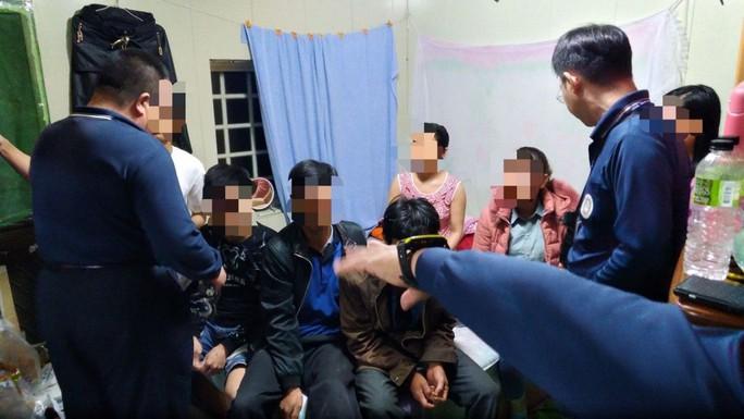 2 người Việt bị kết án tù  - Ảnh 2.