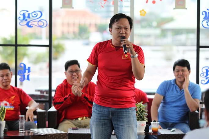 Cuộc thi sáng tác Bài hát cổ động bóng đá Việt Nam: Tăng tốc về đích - Ảnh 3.