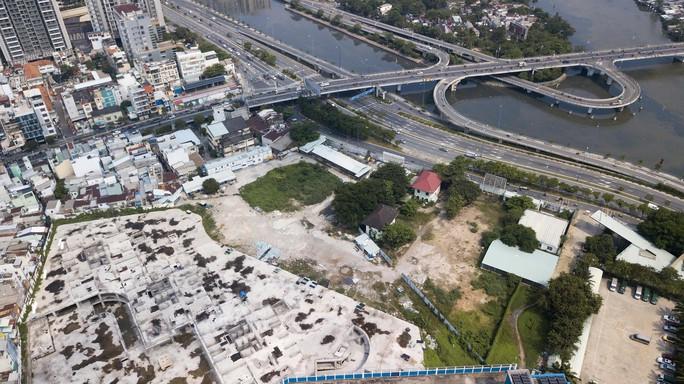 Cận cảnh khu phức hợp Dragon Riverside City 35.000 m2 bị cưỡng chế tại TP HCM - Ảnh 10.