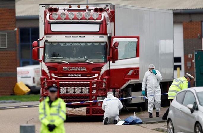 Từ vụ 39 thi thể trong container: Nấm mồ đá chứa thi thể người di cư - Ảnh 2.