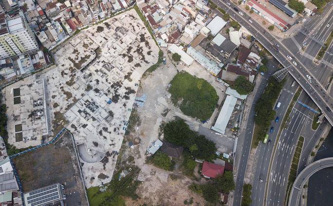 Cận cảnh khu phức hợp Dragon Riverside City 35.000 m2 bị cưỡng chế tại TP HCM - Ảnh 9.