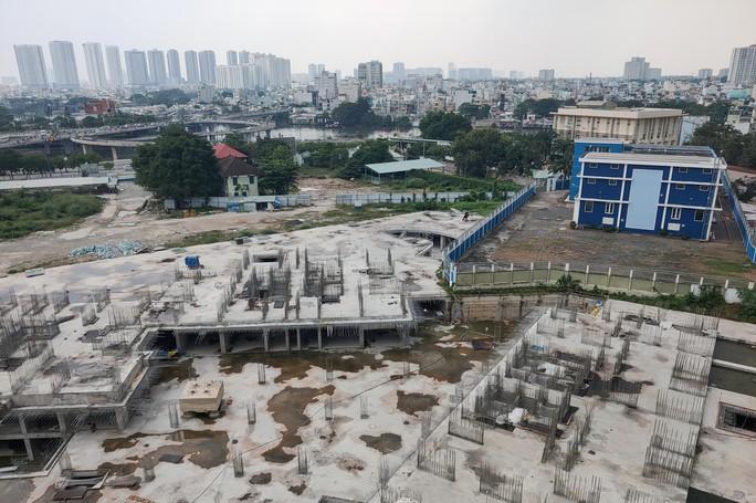Cận cảnh khu phức hợp Dragon Riverside City 35.000 m2 bị cưỡng chế tại TP HCM - Ảnh 5.